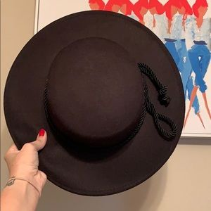 Forever 21 flat hat
